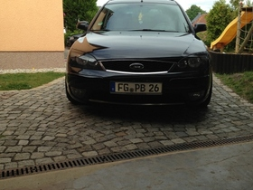 Front Mondeo