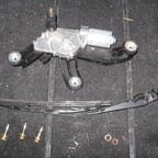 03 Wischermotor und Besfestigung
