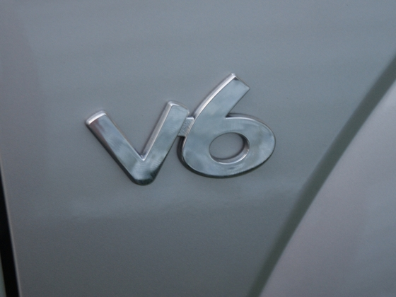 V6 Emblem I