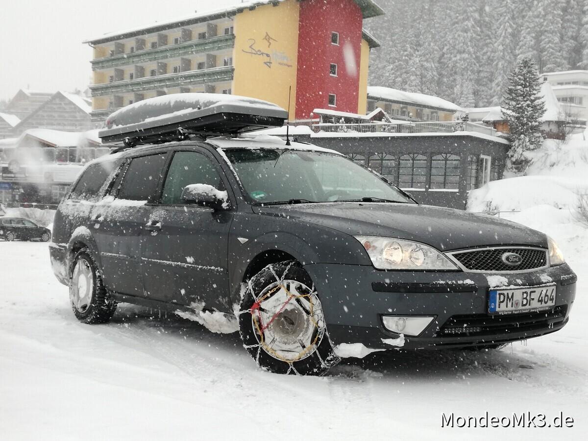 Mein Mondeo im Schnee in Hochfügen